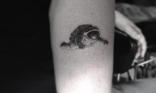 linear-tattoo-doctor-woo_16